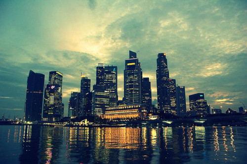 LADIES AND GENTLEMEN!! this is SINGAPORE! my country!!