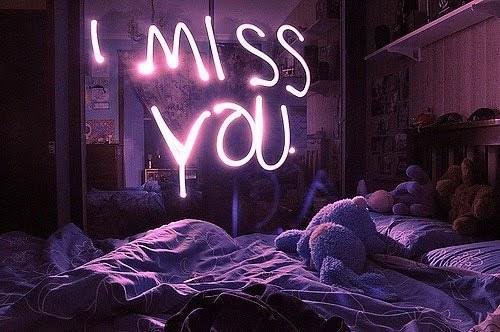 Eu sinto a sua falta, e me doi perceber que talvez você nem sinta a minha.