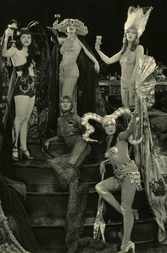 "vintagegal:  ""Hell's 400"" 1926"