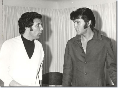 awesomepeoplehangingouttogether:  Tom Jones & Elvis Presley