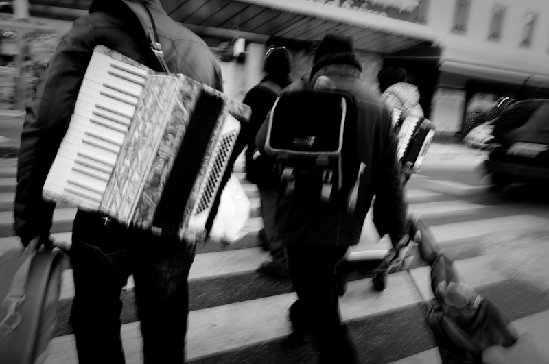 carrying a tune #photography #geneva