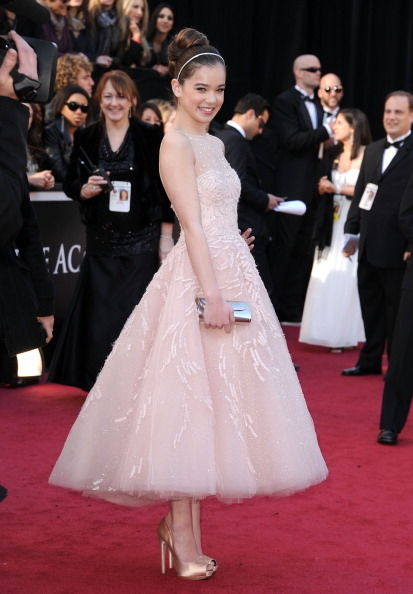 bohemea:  suicideblonde:  Hailee Steinfeld at the Oscars tonight looking like a real life princess.   Those are some kickin' heels! I'm so glad a 14 year old can work a fierce set of heels better than I can even with nearly 20 years on the girl.  She helped design this dress! UGH, love her!