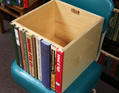 storagegeek:  papernpens:  Modern library storage bin!  Love this so much t hurts.