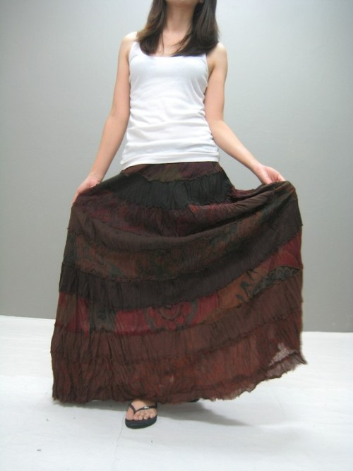 Thaitee - cool loose dresses, skirts, pants and sweaters.