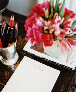 agadabout:  JOT (v.) A quick flick of a pen that lets you make fabulous plans.