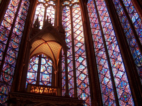 fuckyeahstainedglass:  Sainte-Chapelle. Paris, France.