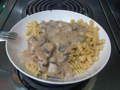 "Om nom mushroom ""cream"" sauce from scratch… No big deal."