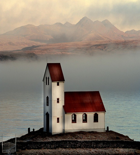 ninbra:  Church in Arnessysla, Iceland.