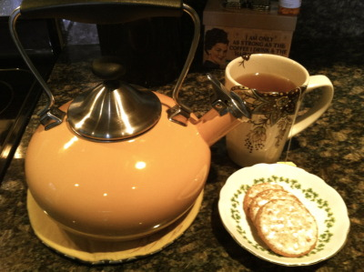i love my tea pot :)