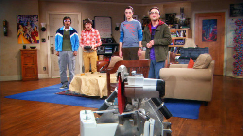smi2e:  The Big Bang Theory 2x12 The Killer Robot Instability