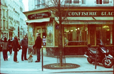 istillshootfilm:  Bakery, Rue Francois Miron, Paris | Shot with my grandfather's Mamiya Sekor 1000DTL and Revolog 600nm film.