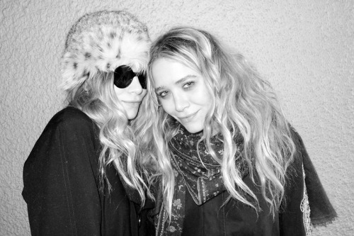 terrysdiary:  Ashley and Mary-Kate Olsen in Beverly Hills.