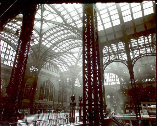repmekevets:  Penn Station, Interior, Manhattan. (by New York Public Library)  Was having dinner last night and the conversation turned to urban growth, preservation and skyscrapers and I was chortled at for having never seen the inside of the old Penn Station. Who's laughing now? Thanks Tumblr! (Also did not know that saving the station was one of Jackie O's thing in the 60s. Oh, and it's so very sad what's there now versus the Beaux Arts structure before.