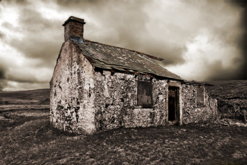 derelict cottage, yorkshire moors
