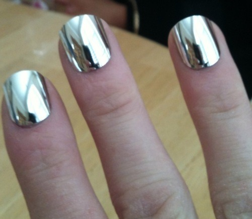 joyceenicolee:daisyvixen:want this mirror polish.Dude let