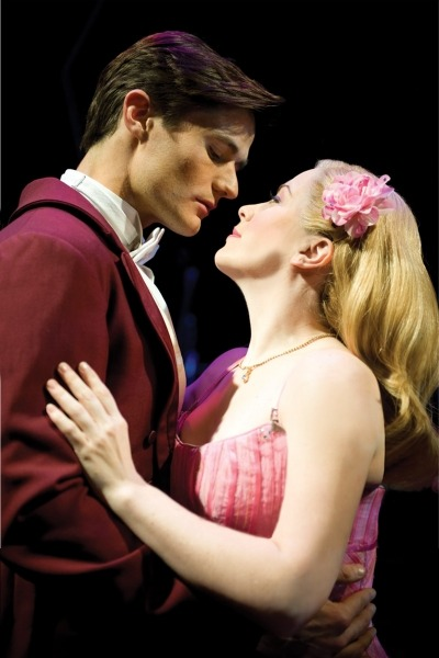 Mark Evans (Fiyero) and Louise Dearman (Glinda) in the West End production.
