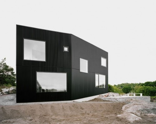 Modern Black House Designs by Johannes Norlander Arkitektur