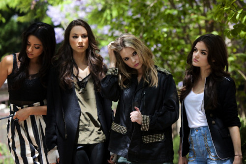 brbcuddlinq:  fant4:  aeromatic:  Oh the Liars  Plz come faster June.  They're all so perfect. x