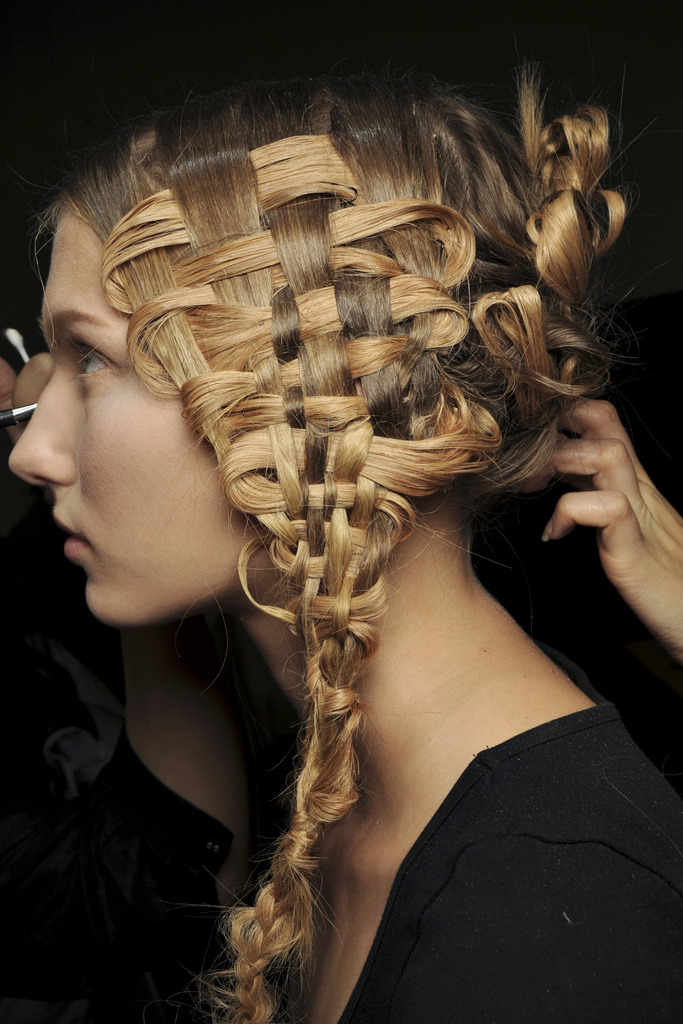 "Taking the ""weave"" to another level. (Alexander McQueen S/S '11 via Vogue)"