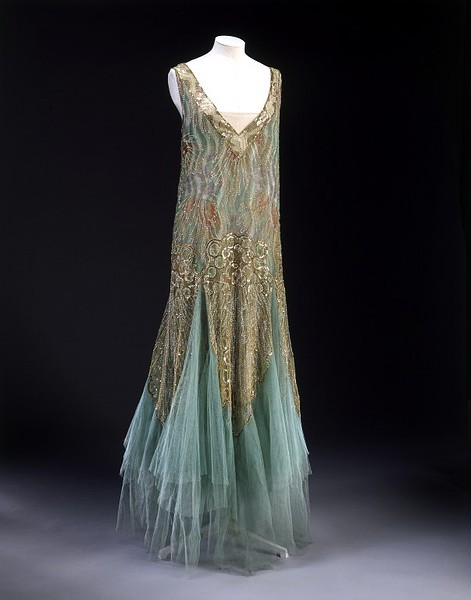 Jean-Charles Worth evening dress ca. 1928-1929 via The Victoria & Albert Museum