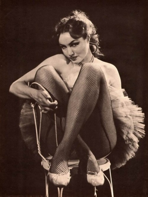 retrodoll:  Julie Newmar