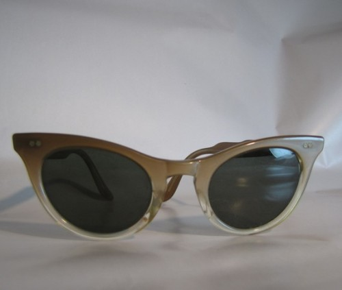 modcloth:  Etsy pick of the day! Vintage 60s cats eye sunglasses Rare find 1960s by AustinModern