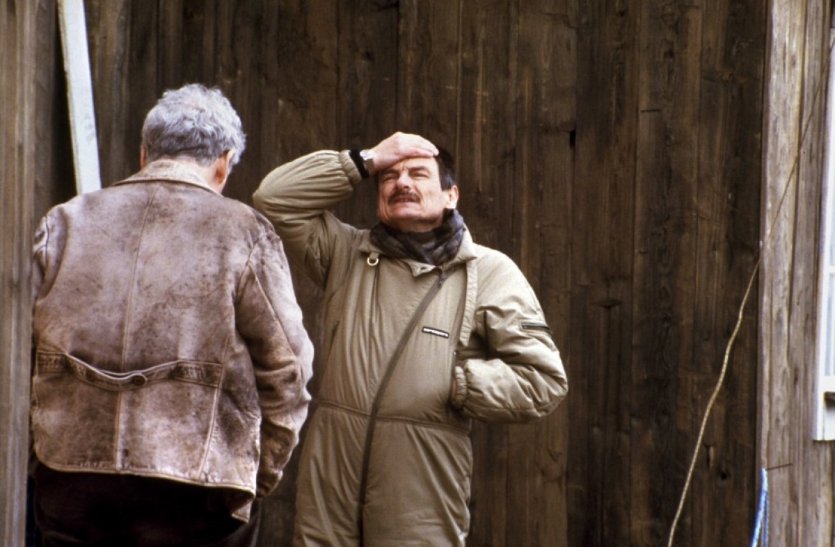 "Andrei Tarkovsky on the set of ""Offret / The Sacrifice"" with Erland Josephson (1986)"