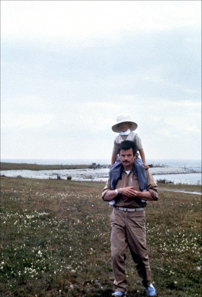 "Andrei Tarkovsky on the set of ""Offret / The Sacrifice"" (1986)"