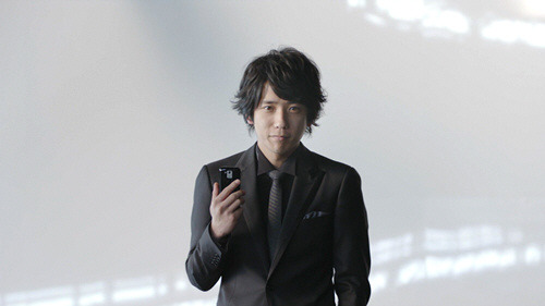 au by KDDI - Google Android ''Overseas flat-rate'' by Kazunari Ninomiya