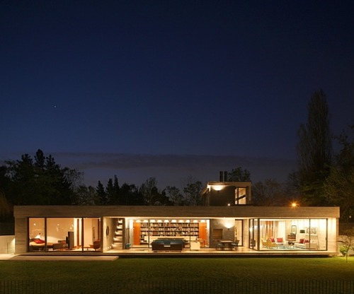 Casa 2 by Eduardo Berlin Razmilic (via) Click the pic for more views. Yummy!
