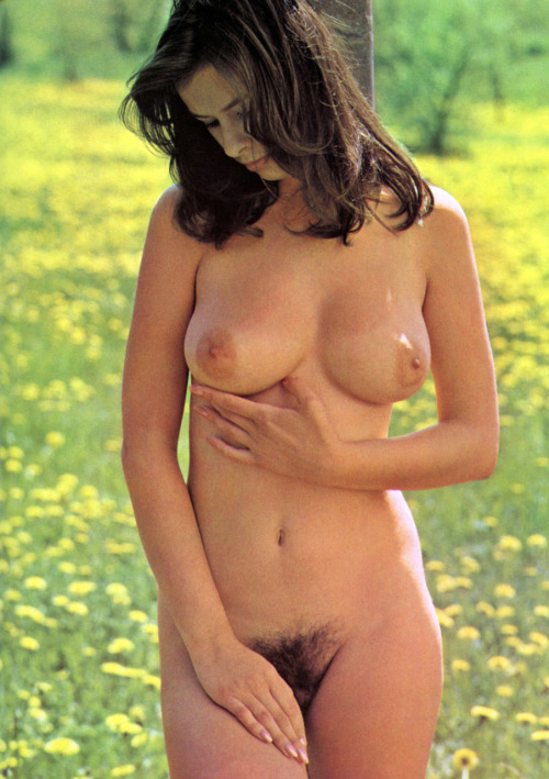 tumblr lhilx4nfL61qa39ano1 500 Classic big boobs and hairy pussy