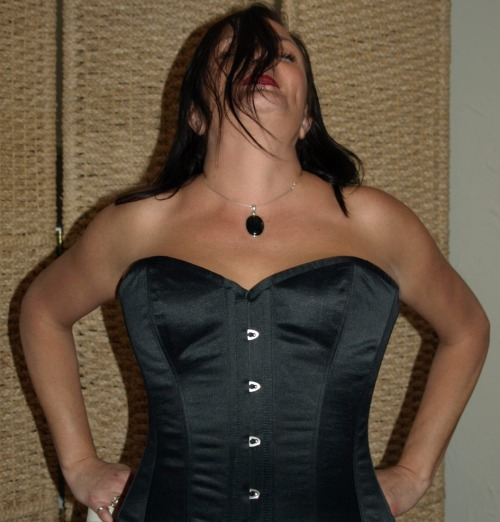 FairyGothMother Corsets are so sexy, flattering and amazing towear….if you want to make a statement and stand out in acrowd…these are the corsets to wear!!!! :)