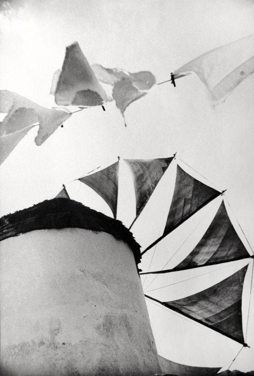melisaki:  Windmill, Mykonos photo by Norman Parkinson, 1962