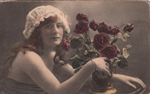 1917 'The Time of Roses' by Raphael Tuck & Sons.