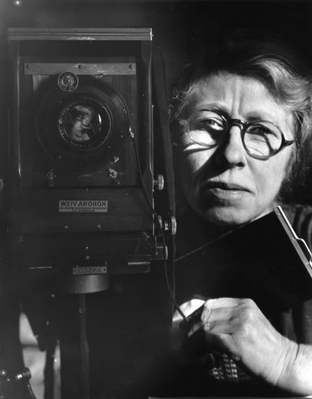 kvetchlandia:  Imogene Cunningham      Self-portrait with a Korona View Camera      1933