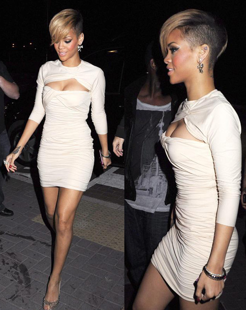 How smoking Hot does Rihanna look this dress?  Hmm I never noticed that ear tattoo before!