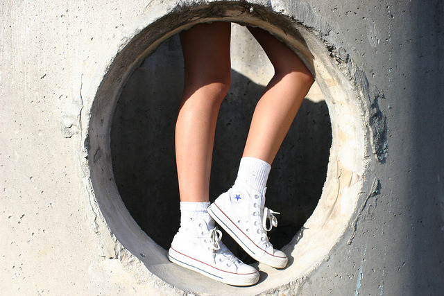 californianocean:  love my white converse    My friend took this photo! :D