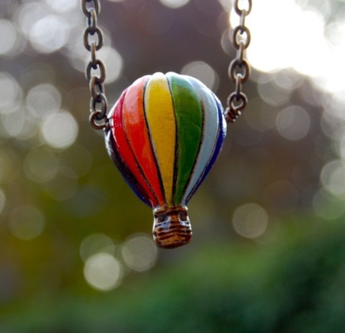 Peruvian Hot Air Balloon Necklace ($25/£16)The Bumbling Bird