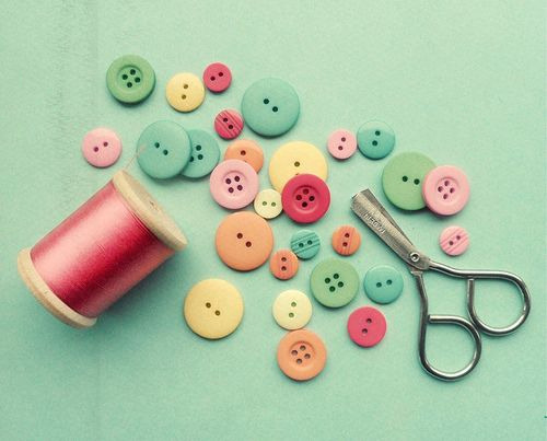 yourdiamondintherough:  I love buttons!