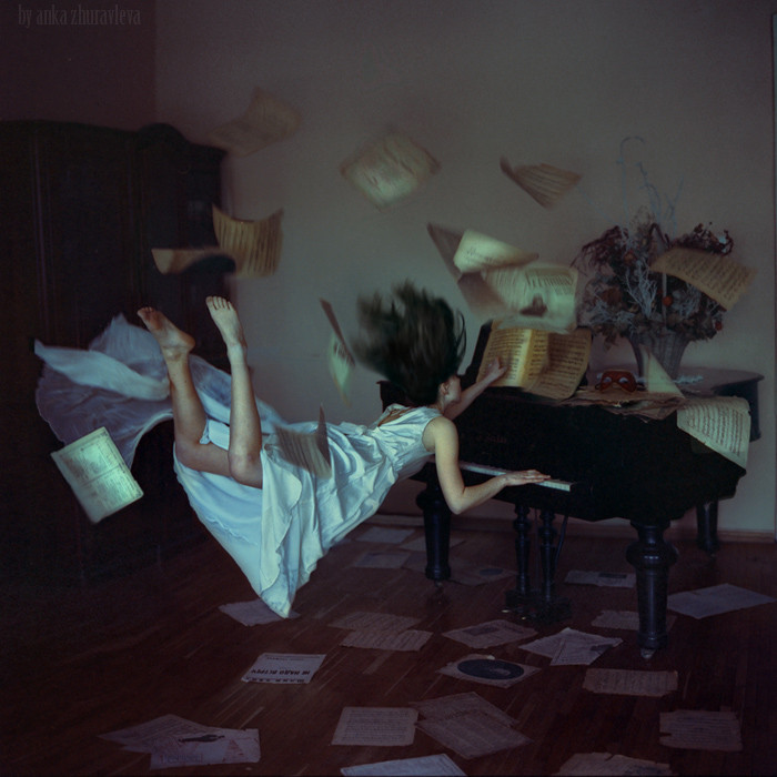 "curiosites:  500px / Photo ""when gravity does not work"" by Anka Zhuravleva"