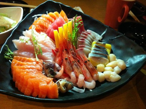 weeniethebear:  sushi buffet take 2, i think i need to stop going out to eat so much.   ♥♥♥♥♡♥♡♥♡♥