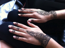 theblisslife:  i love henna tattoos