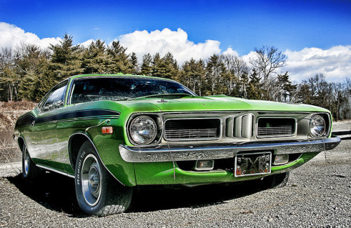 Green lantern Starring: Plymouth Barracuda (by Desolate Places)