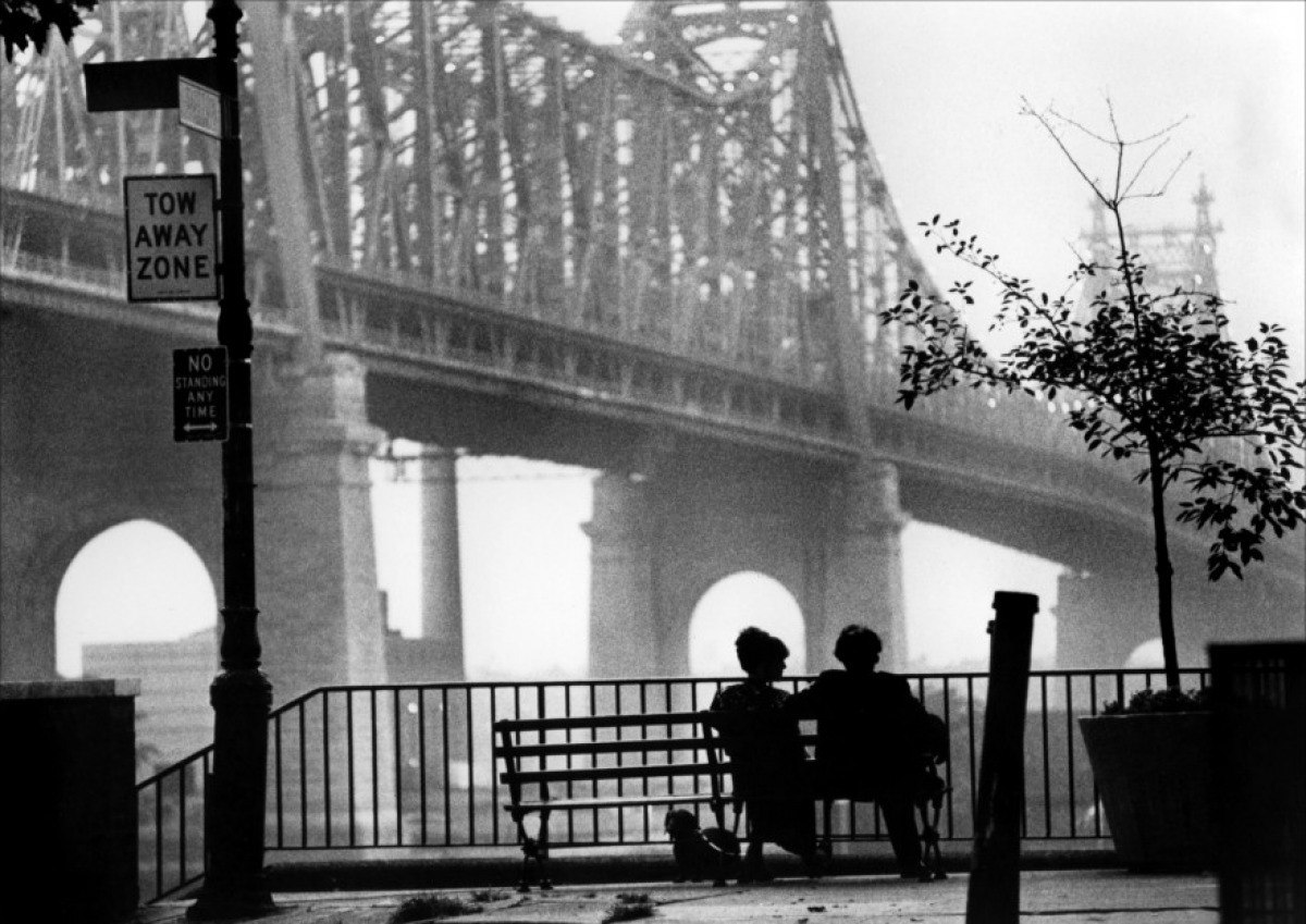 laurecroisette:  Manhattan, Woody Allen, 1979  one of my favorite (woody allen) movies ever