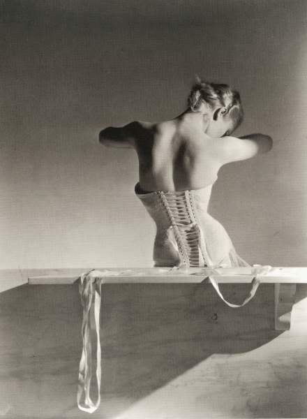bohemea:  Mainbocher Corset by Horst P. Horst, 1939
