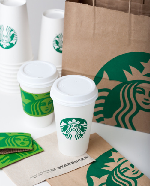 jaclyncimino:  oliphillips:  Starbucks new packaging design  I just saw this for myself today! I love it. :-)  YAY! I haven't been to a Starbucks today, but I'll try to stop in later to get a glimpse of the new logo in action.