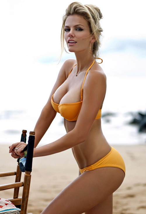 body stuff sexncomics:  iheartgirls:  Brooklyn Decker  !