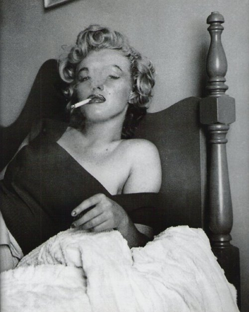Marilyn Monroe by Jock Carroll 1952