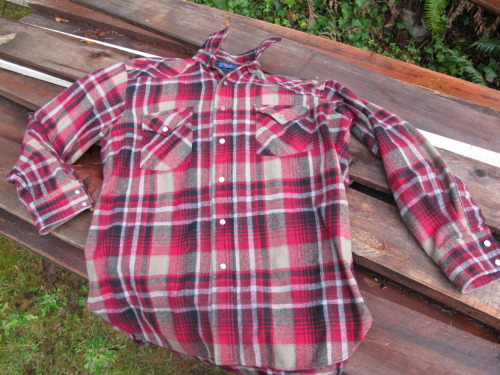 thedigupmyheartshop:Red plaid Pendleton shirt.100% virgin wool.Made in the USA.Size L$29