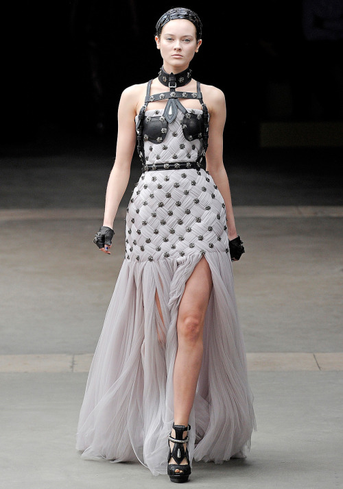Alexander McQueen Fall 2011 // Paris Fashion Week